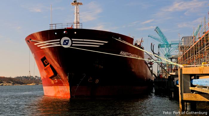 Schiff im Hafen von Göteborg