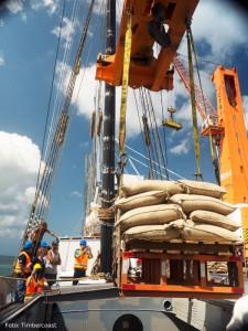 Frachtsegler Avontuur im Hafen