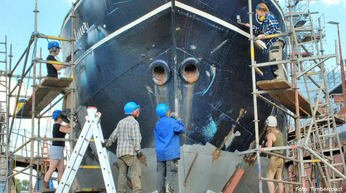 Der von Cornelius Bockermann restaurierte Frachtsegler Avontuur in der Werft